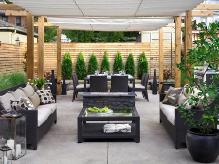 If Youu0027re Ready To Entertain But Feel That Your Back Patio Is Lacking,  Consider These Expert Design Tips To Spruce Up Your Space In Time For Party  Season: